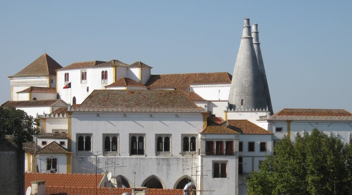 Discover the romantic town of Sintra - Wandering Life