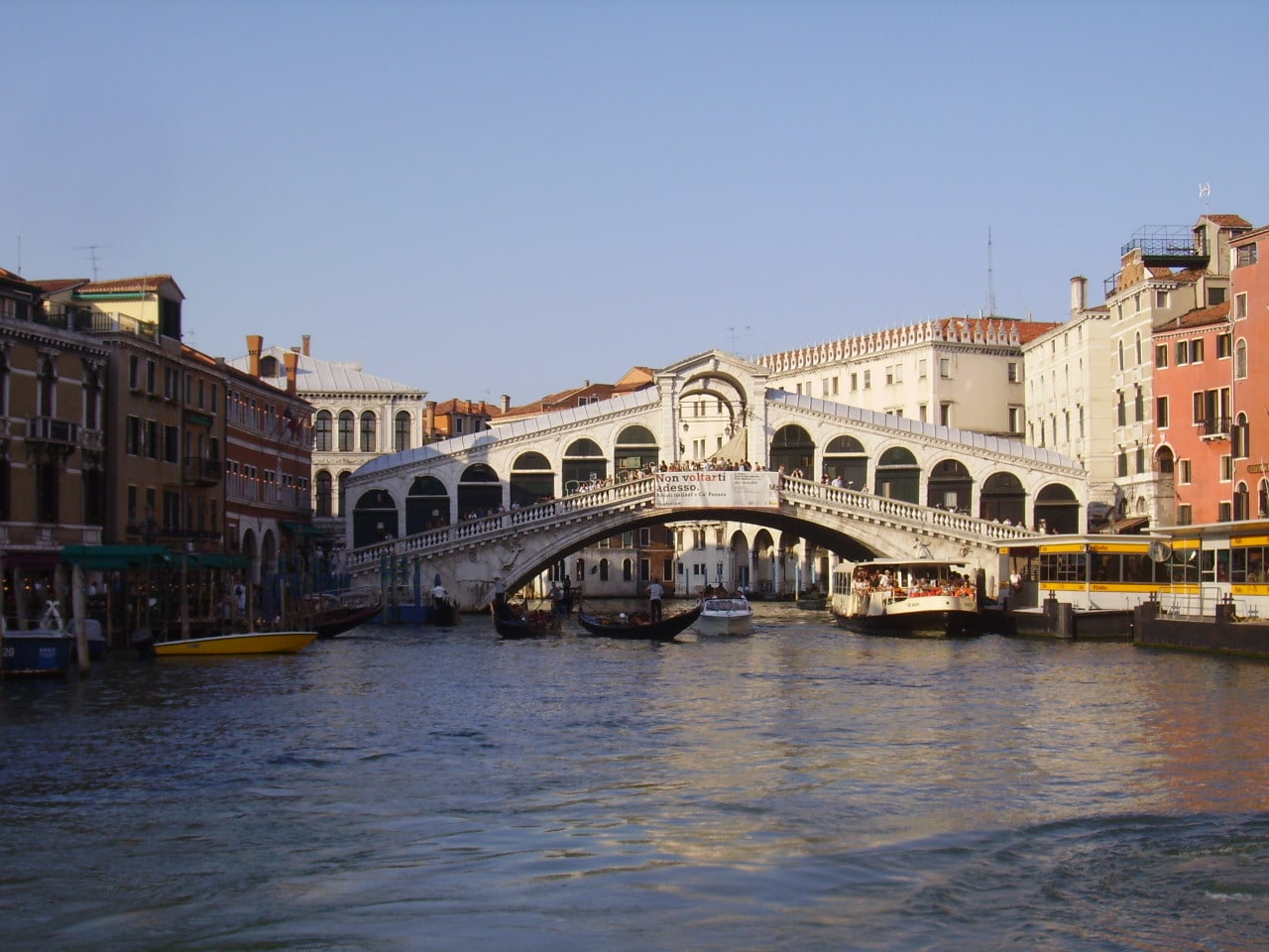 The Grand Canal and the Rialto Bridge - Wandering Life