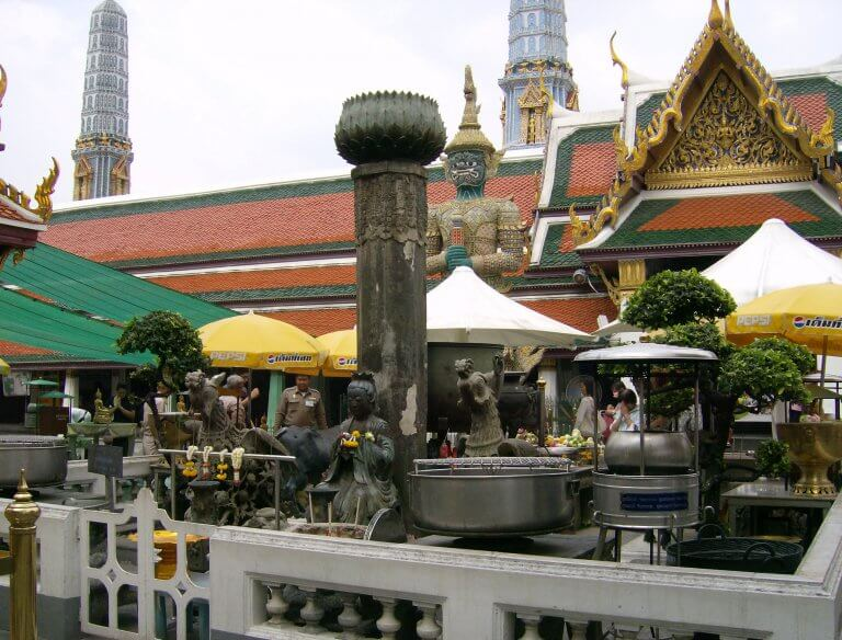 Know a little better the Royal Grand Palace of Bangkok - Wandering Life