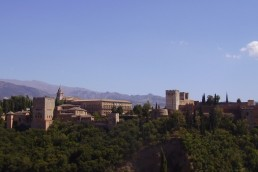 Why should we visit the famous Alhambra... - Wandering Life