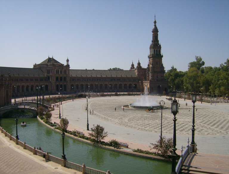 Get to know the Plaza de España, the most emblematic of Seville - Wandering Life