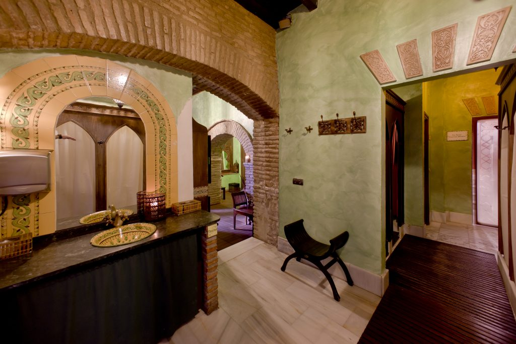 Do you want to know why you have to go to the Arab Baths of Cordoba? - Wandering Life