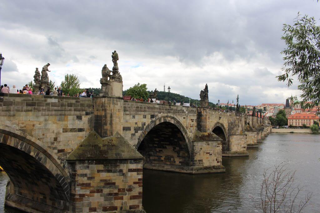 Praga: Tudo sobre a ponte Carlos