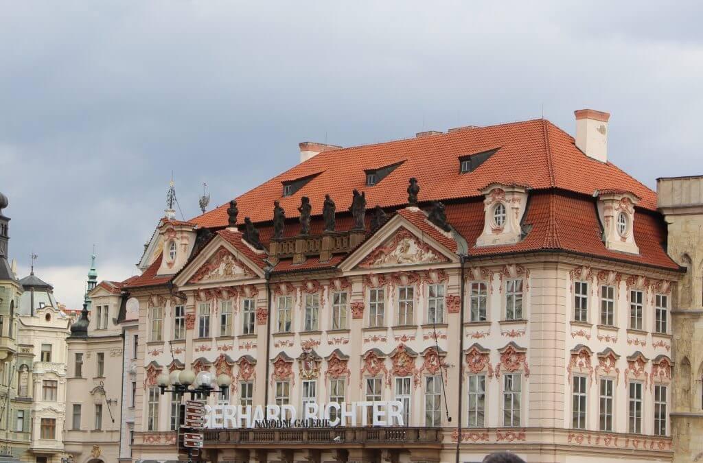 Praga: 6 coisas a não perder na praça da cidade velha