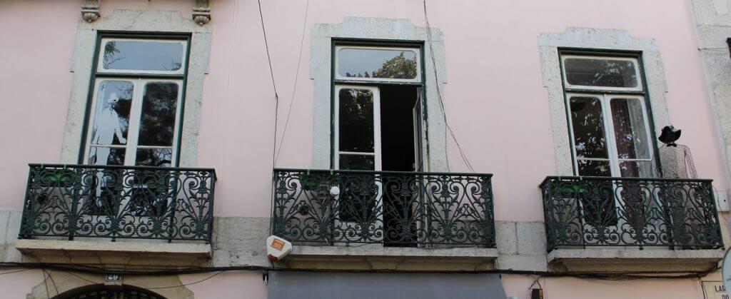 Prédio onde Fernando Pessoa morou (Largo do Carmo) viagem Lisboa