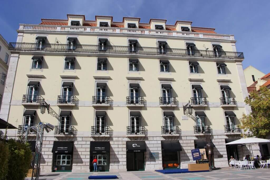 Prédio onde Fernando Pessoa nasceu viagem Lisboa