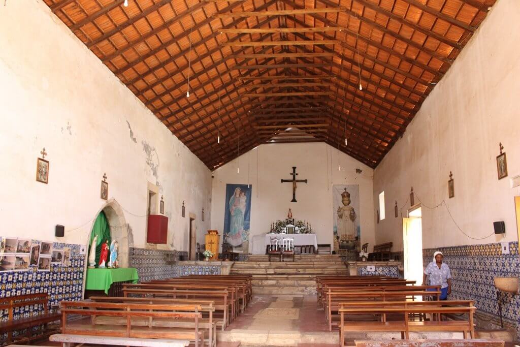 Interior da Igreja de Nossa Senhora do Rosário, ilha de Santiago, Cabo Verde
