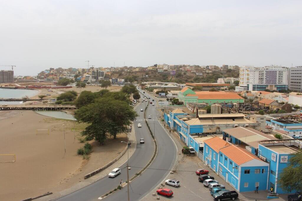 Zona costeira da cidade da Praia, ilha de Santiago, em Cabo Verde