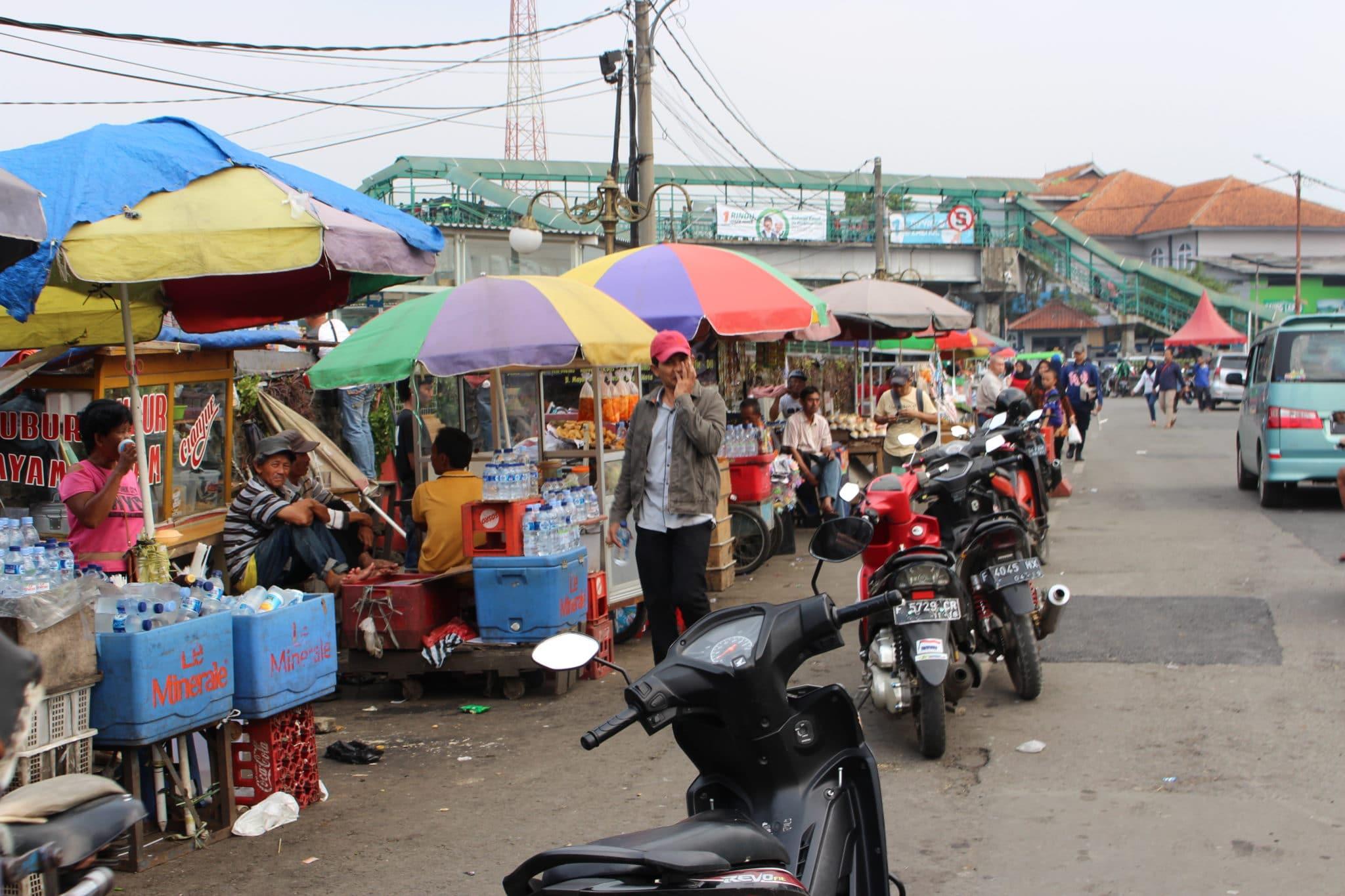 Rua de Bogor, perto de Jakarta.