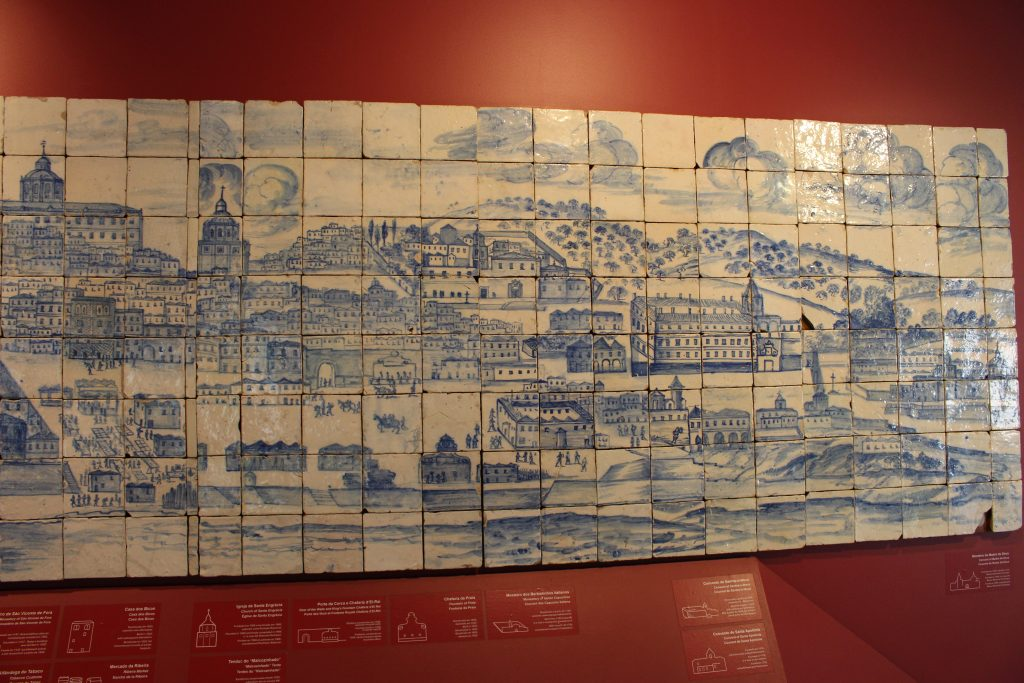 Panel (23 meters) of tiles where we see Lisbon before the earthquake of 1755