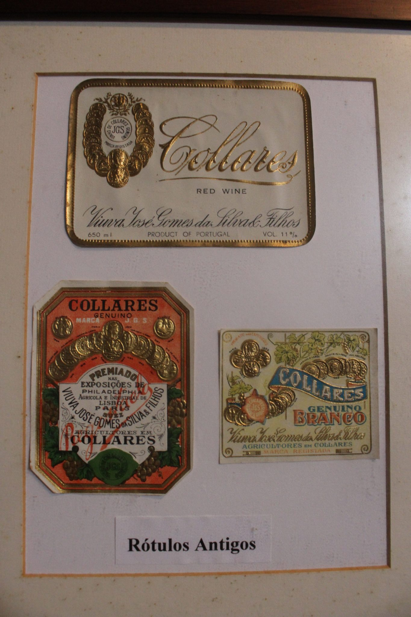 Rótulos antigos dos vinhos da Viúva Gomes