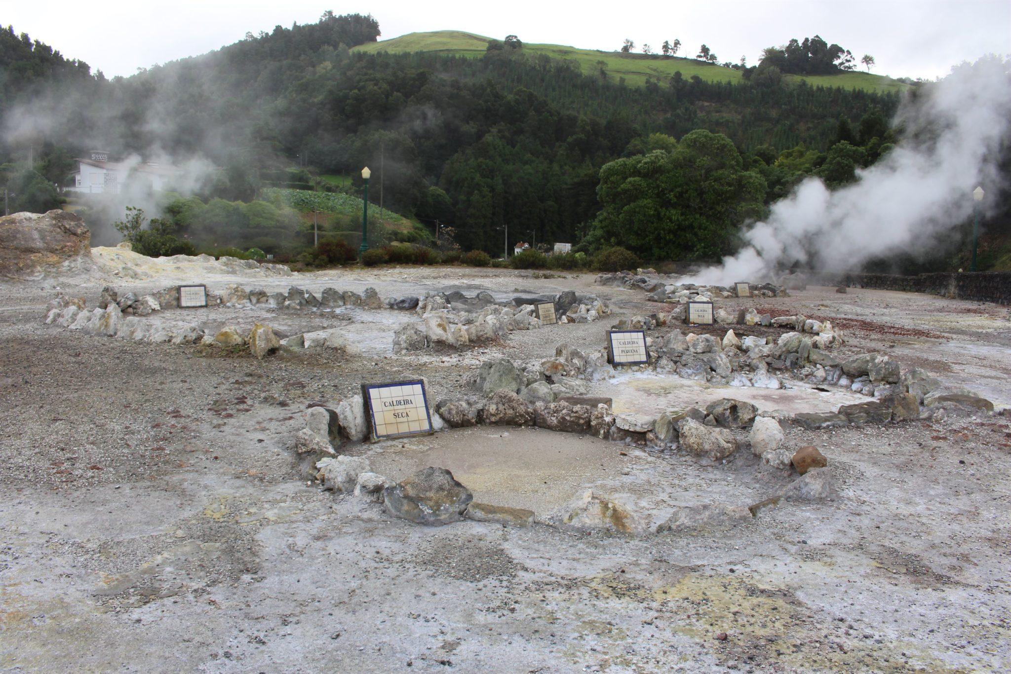 Fumarolas da Vila das Furnas, S. Miguel, Açores