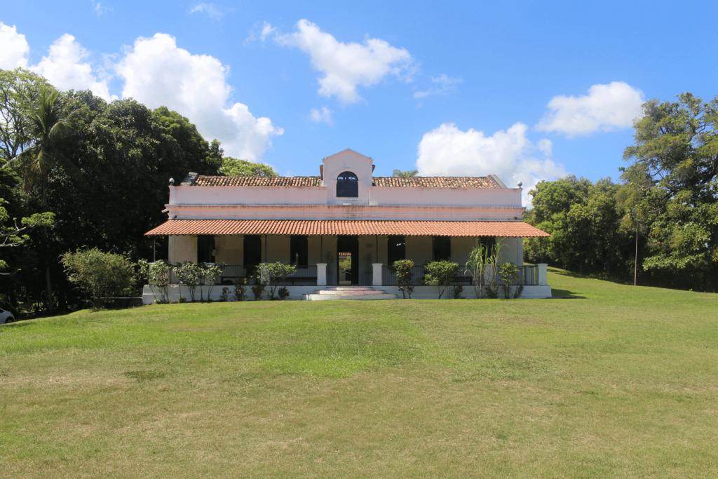 Antiga casa colonial do Engenho Massangana