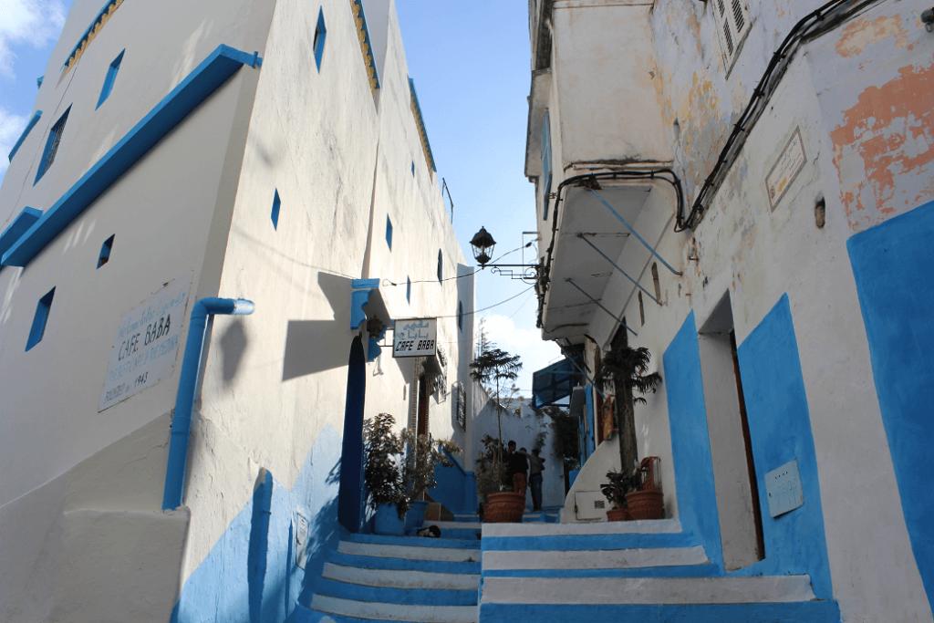 Rua deserta na Medina de Tânger