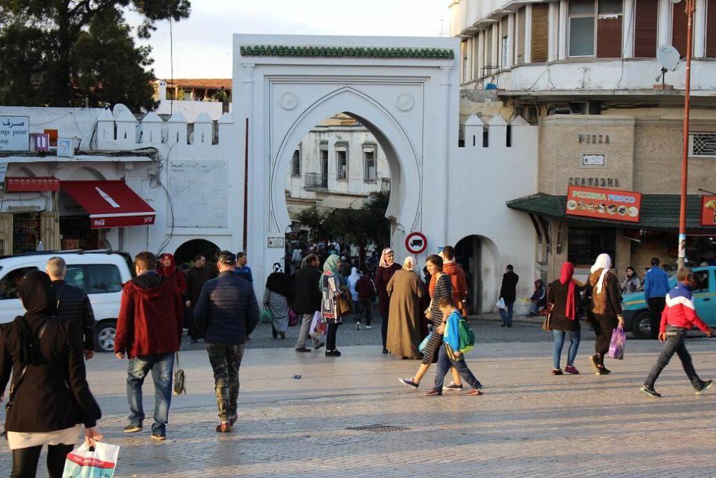 Grand Socco e uma das portas da Medina de Tânger