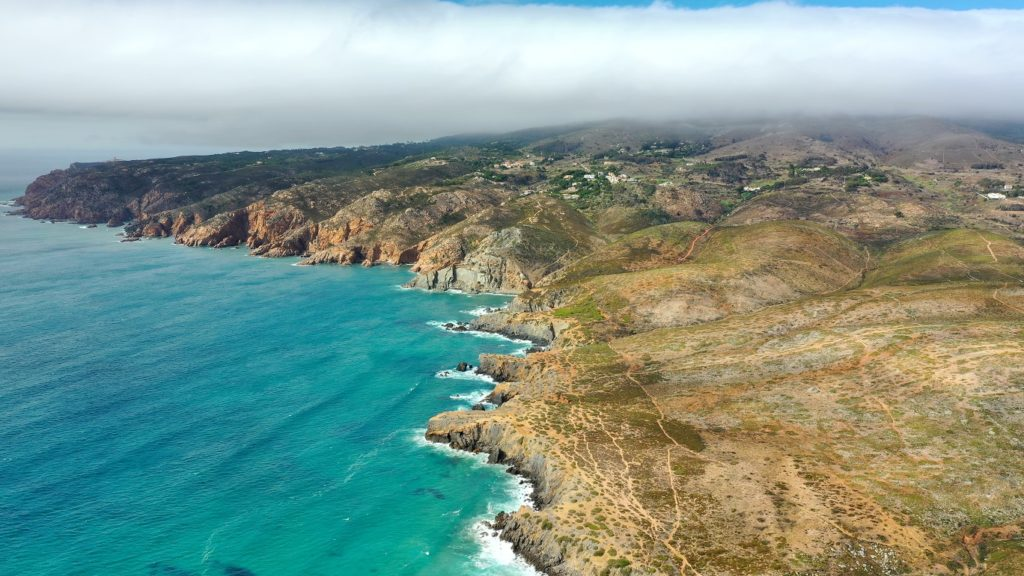 10 fotos (com drone) da praia do Guincho, em Cascais
