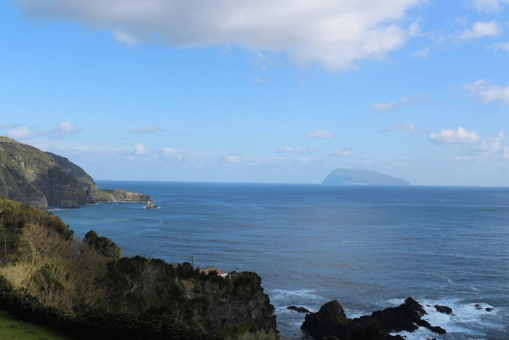 A ilha das Flores: a história, o que ver, onde dormir